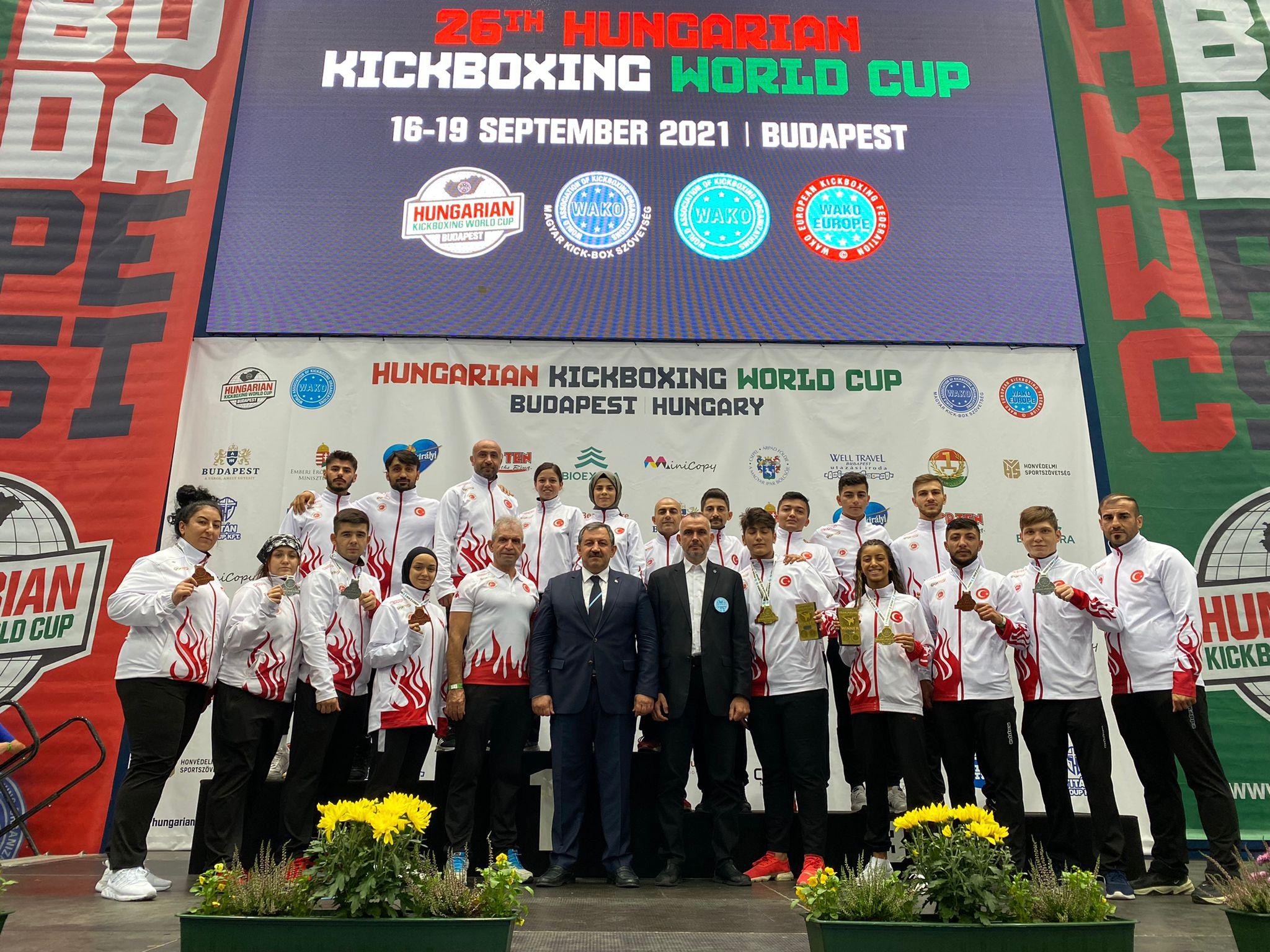 Milli Takımımız Macaristan' da Yapılan Dünya Kupası' nda 9 Madalya Kazandı